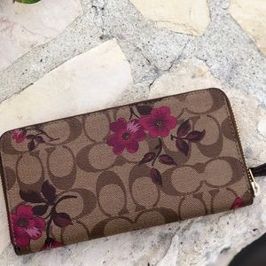 Coach Bags - NWT Coach Floral Accordion Zip around wallet
